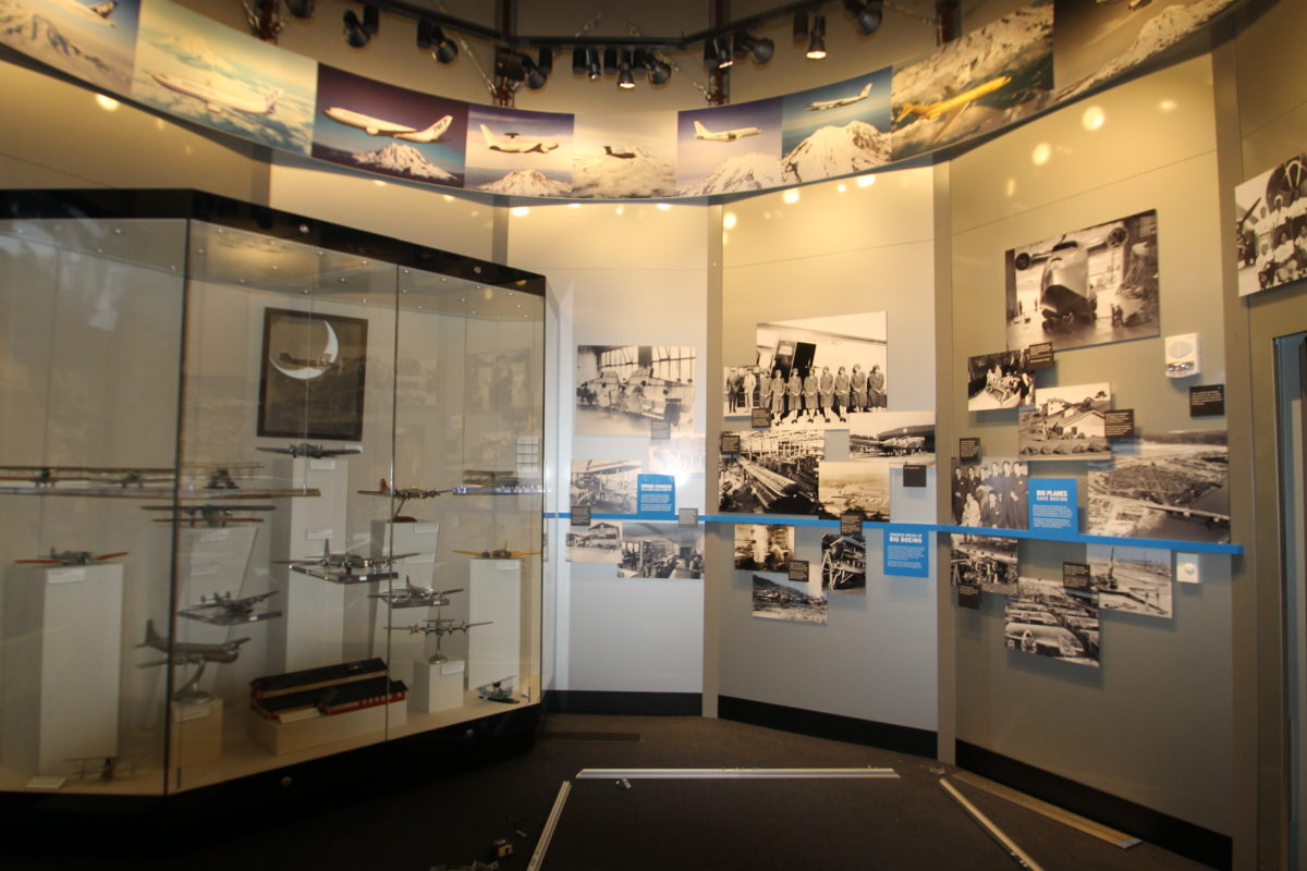flight museum glass display and wall graphics